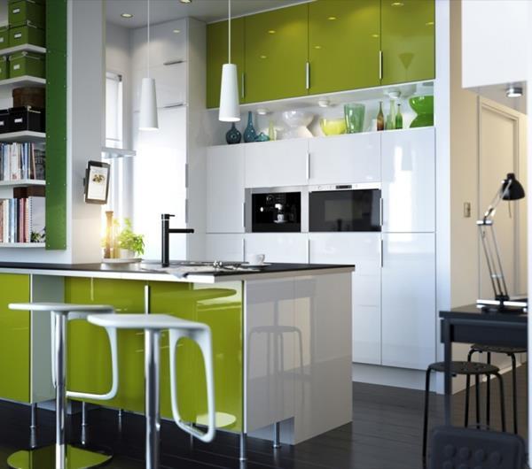 Gestaltung-für-kleine-Küche-Designidee-Olivgrün