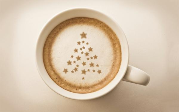 Kaffeeschaum-Weihnachtsbaum-Dekoidee