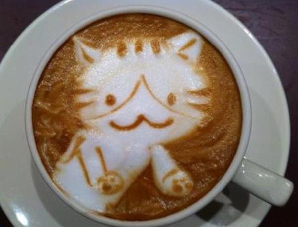 tolle-Kaffeeart-Katze-aus-Schaum