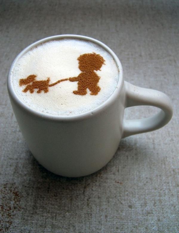 Kind-mit-Hund-Kaffeedeko-Dekoidee
