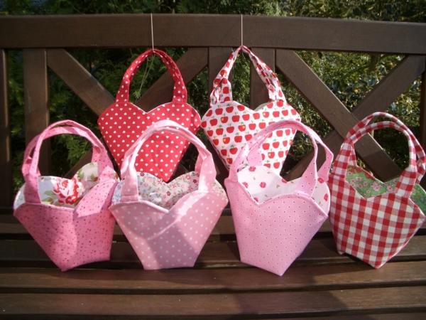 Kindergebutstagdeko-rosa-Taschchen!