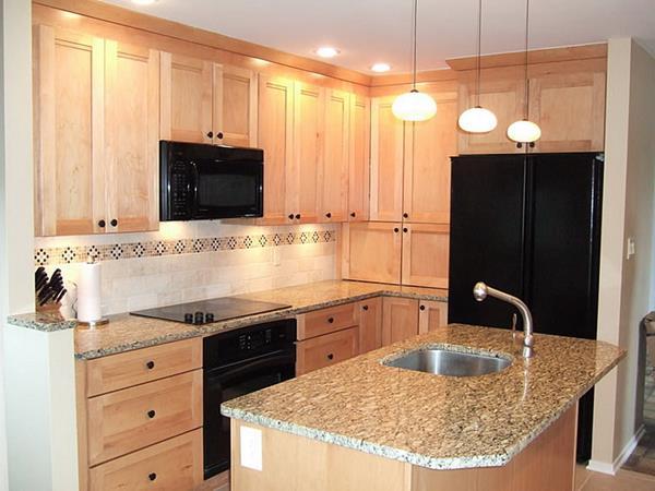Holzmöbel-in-der-Küche