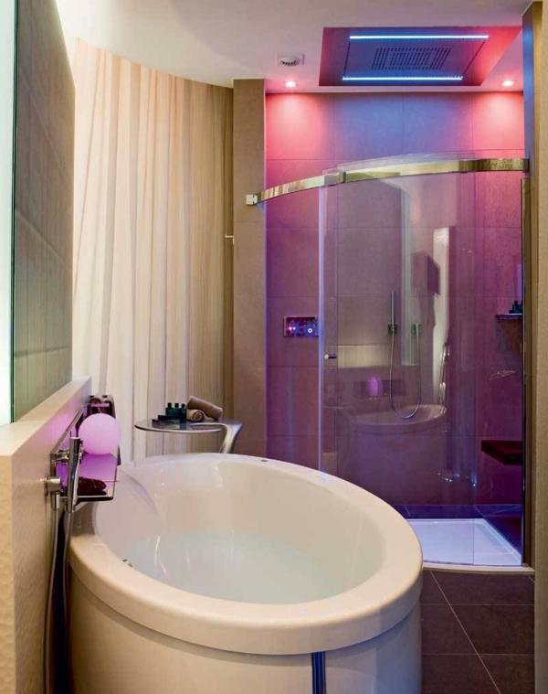 Badewanne f r kleines bad 22 sch ne ideen for Kleine runde deckenleuchten
