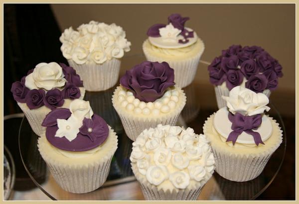 Luxuriöse-cupcakes-für-hochzeit-verzieren