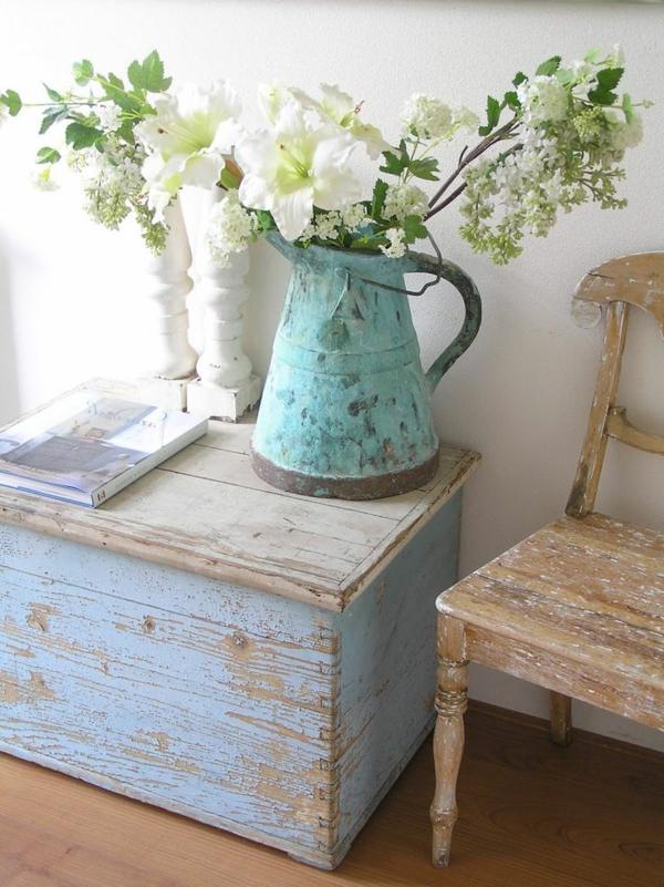 Möbel-Vintage-Ideen-für-Zuhause-Blumendeko