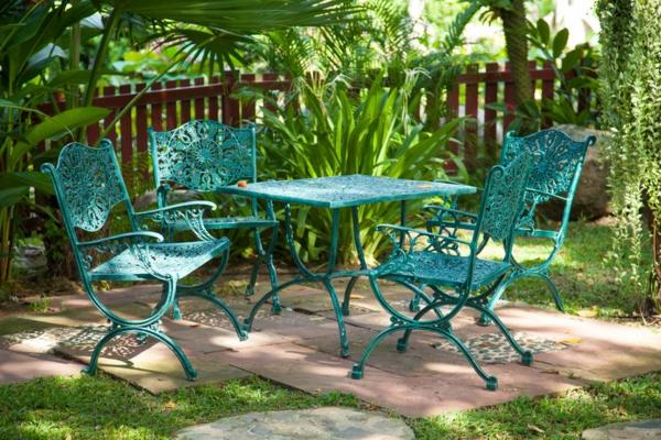 Metall-Gartenstühle-grüne-Farbe-schöne-Gestaltungsidee