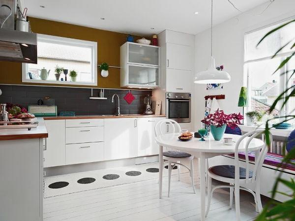 nordisches esszimmer und küche in weißer farbe