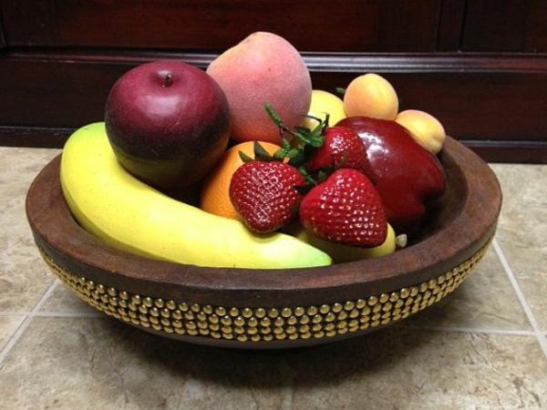 Obst-Deko-Äpfel-Bananen-Erdbeeren-Idee