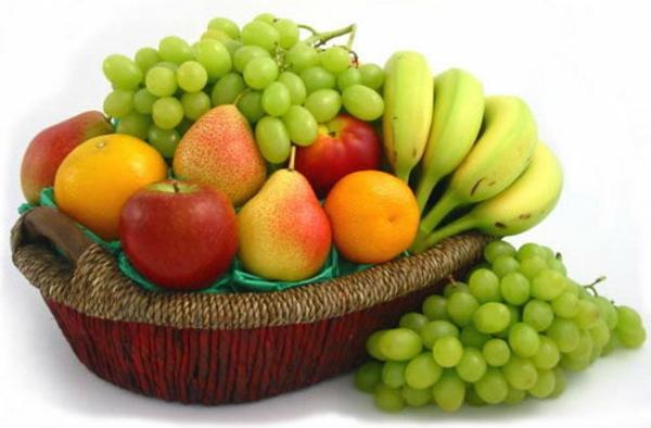 Obst-Deko-mit-mehreren-Früchten-Dekoidee