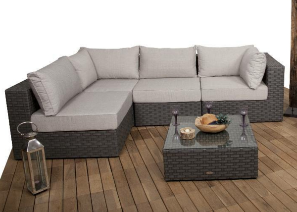 Polyrattan- Loungemöbel-für-Draußen