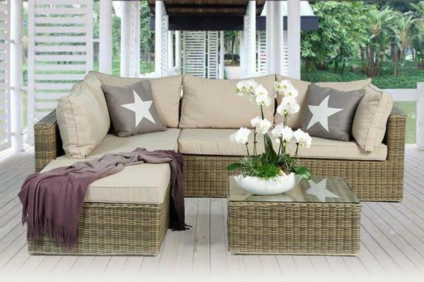 Rattan- Loungemöbel-für-Draußen-beige