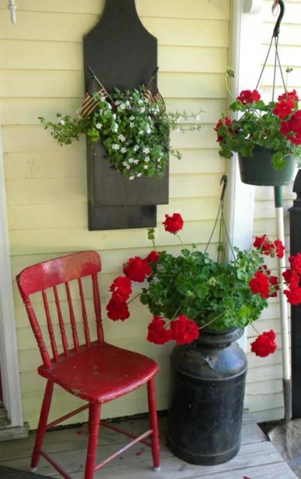 Roter stuhl 30 sch ne ideen for Einfacher holzstuhl