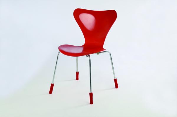 eleganter-RoterStuhl_designidee-für-die-Wohnung