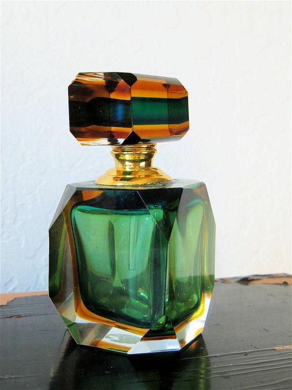 Schmuck-aus-Muranoglas-parfum
