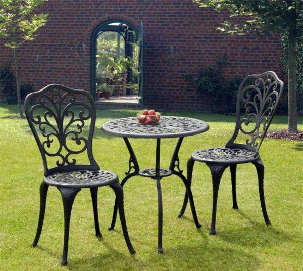 cooles-Schwarzes-Gartenmöbelset-aus-Metall