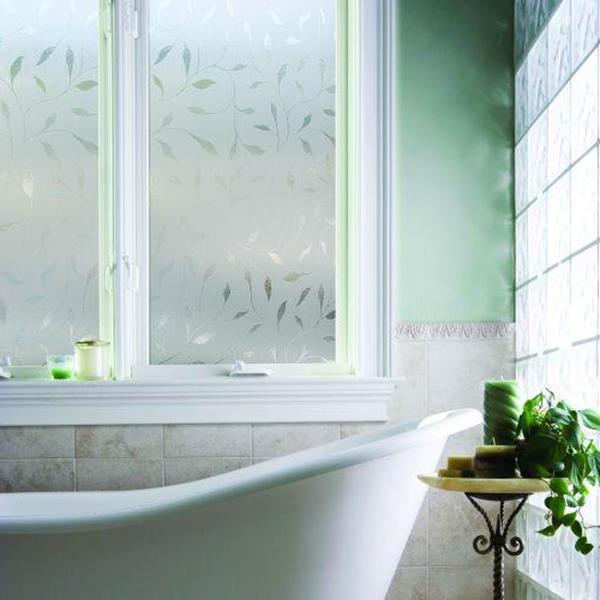 Sichtschutzfolie-Fenster-Gestaötungsideen-fürs-Bad