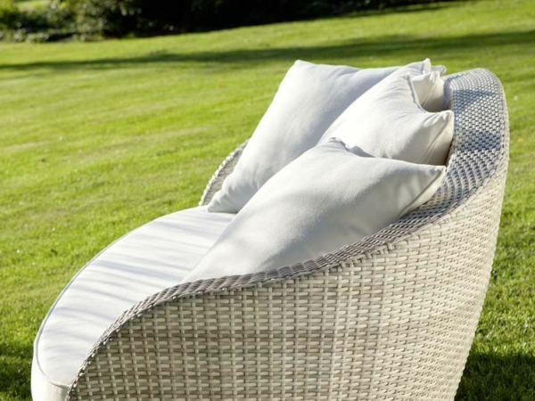 Sitzgruppe-Gartengruppe-Polyrattan- Loungemöbel-für-Draußen