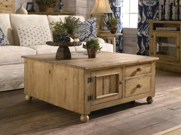 Tisch-aus-Holz-Vintage-Möbel-Retro