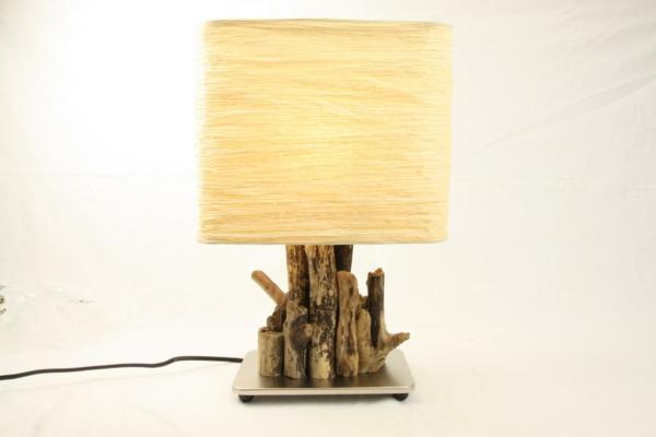 wunderare-Tischlampe-aus-Treibholz-gelbe-Licht