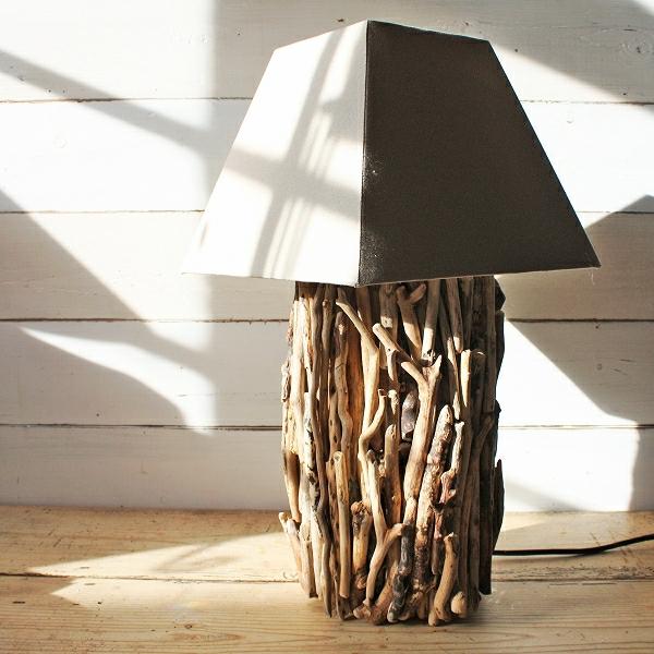 Treibholz-Tischlampen-zur-Dekoration-im-Hause