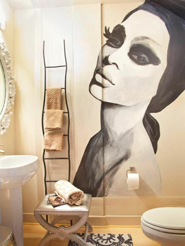 Wandbilder An Die Wand Malen : attraktives Wandbild im Badezimmer geschminkte Frau