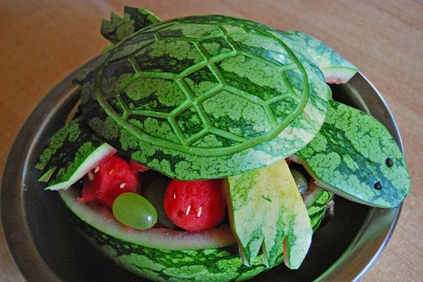 Wassermelone-schnitzen-melonen-schildkroete