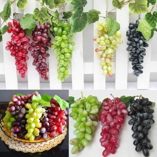 Weintrauben-künstliche-Deko-mit-Obst-Dekoidee
