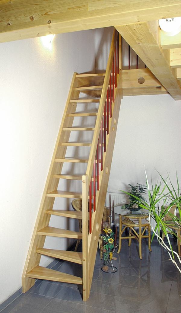Wohnidee-hölzerne-Treppe-für-das-Haus