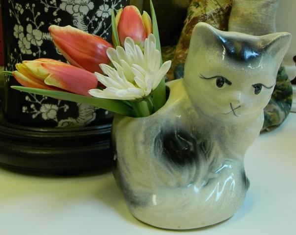 Wohnungsgestaltung-Ideen-katzen-vase