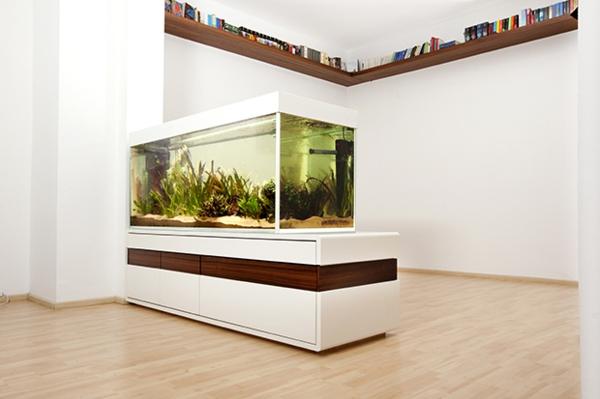 Aquarium als Raumteiler benutzen - 26 Beispiele!