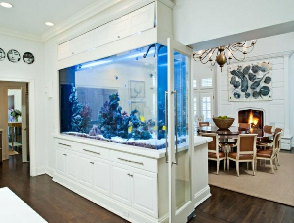 aquarium in wand haus design m bel ideen und. Black Bedroom Furniture Sets. Home Design Ideas