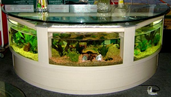 aquarium-tisch-wohnzimmer-grün