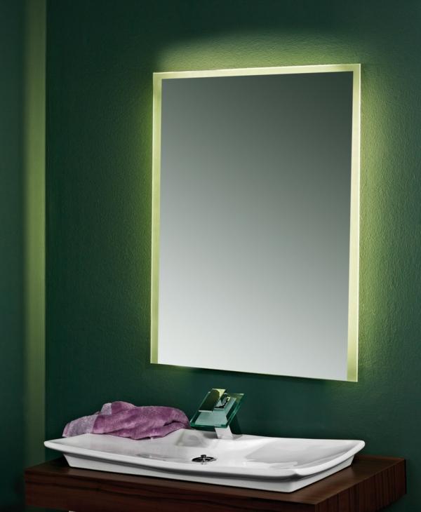 modernes-badezimmerspiegel -mit-led-beleuchtung-grünes-licht
