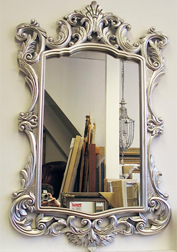 barock-spiegel-mit-silberrahmen-elegantes-modell- sehr aristokratisch wirkend