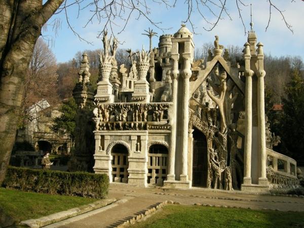 bauart-architekten-schaffen-meisterwerke-frankreich - mit bäumen umgeben