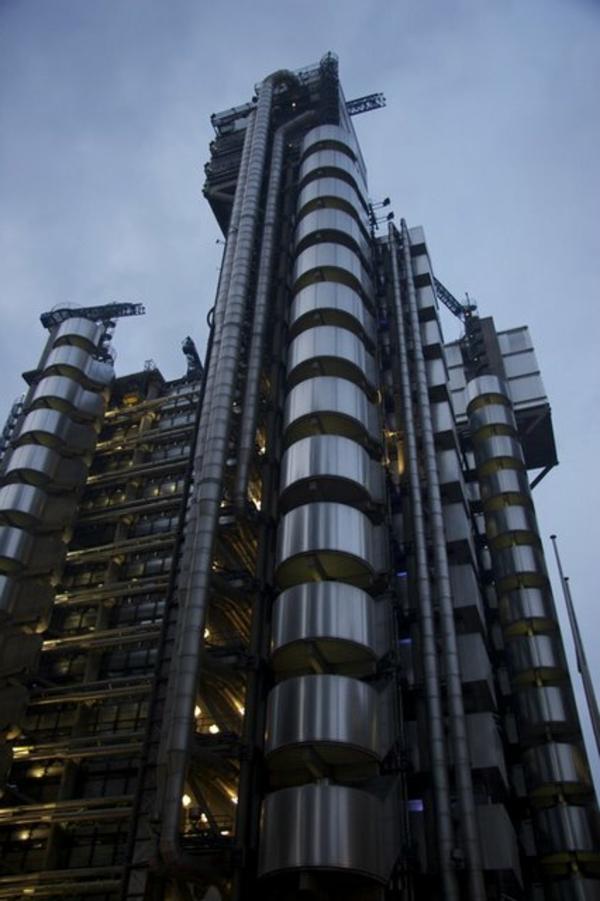 bauart-architekten-schaffen-meisterwerke-gebäude-in-london - foto von unten genommen