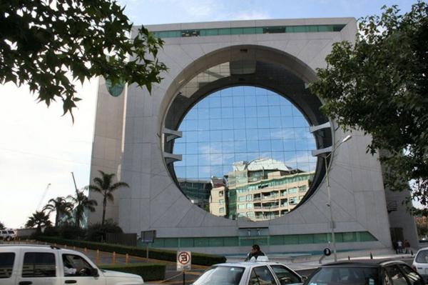 bauart-architekten-schaffen-meisterwerke-in-mexiko - rundes fenster