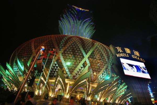 bauart-architekten-schaffen-meisterwerke-macao - in der nacht