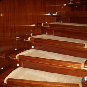 Der perfekte Treppen - Teppich -  30 prima Modelle!