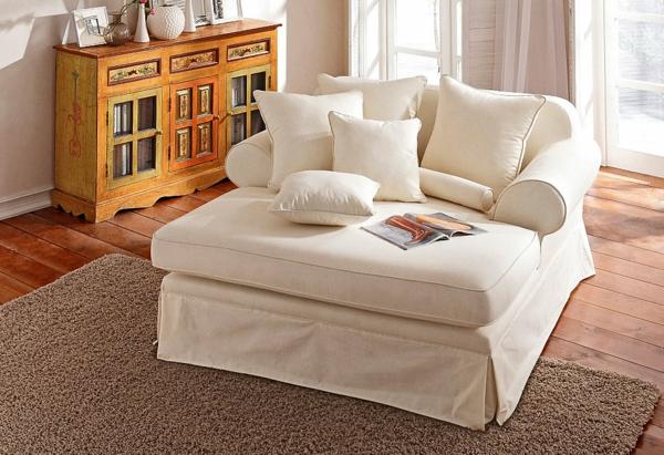 weißer-bequemer-Lounge-Chair-Sessel-weiße-Farbe