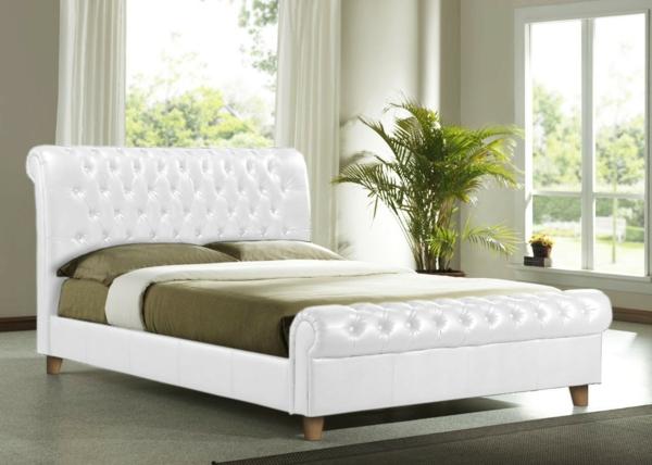bett-in-weiß-im-eleganten-schlafzimmer- grüne farbe