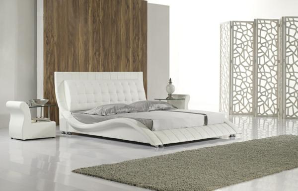 bett-in-weiß-im-super-luxuriösen-schlafzimmer- taupe teppich