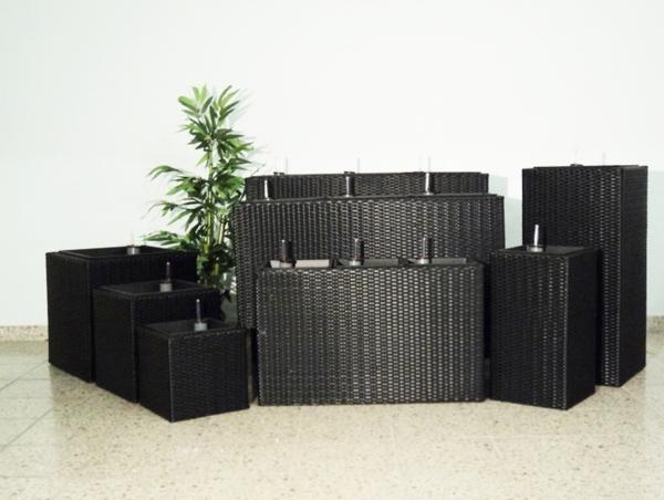 blumenkübel-in-schwarz-viele-modelle