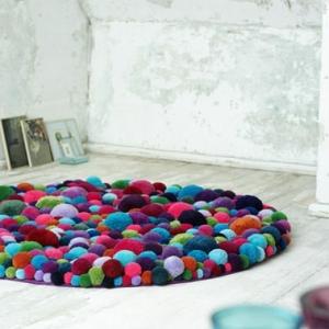 Kleine runde Teppiche sehen so süß aus!