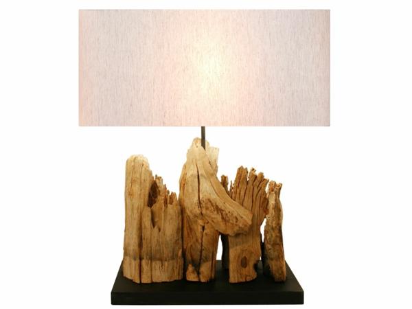 schöne-Lampe-aus-Treibholz