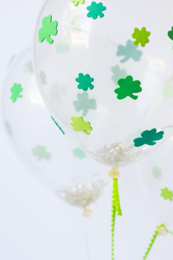 deko 1 geburtstag junge, partydeko basteln, grpne sticker, kleine blüten, luftballons