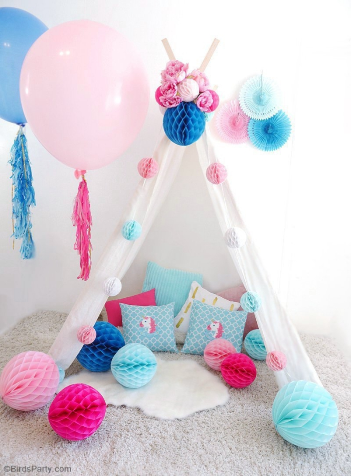 deko 1 geburtstag junge, tipi selber machen, partydeko in weiß, rosa und blau