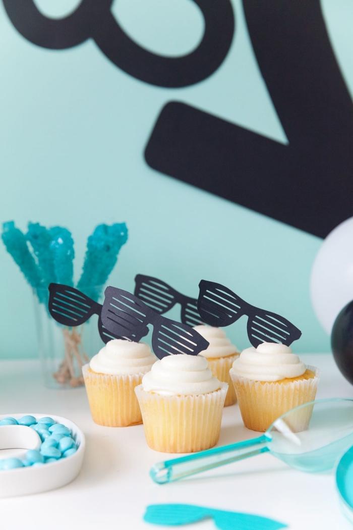 kids party world, deko für kindergeburtstag, geburtstagsdeko in schwarz und blau