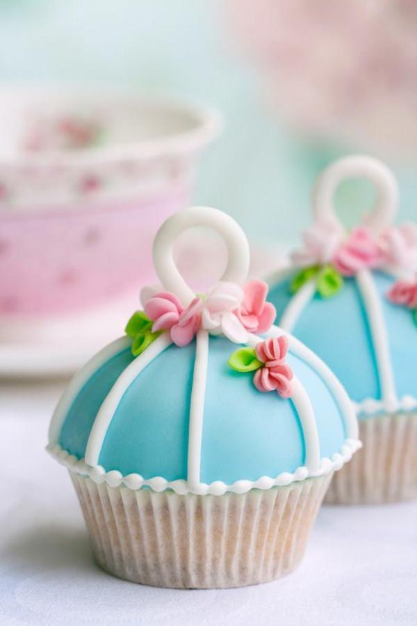 schön-dekorierte-cupcakes-für-hochzeit