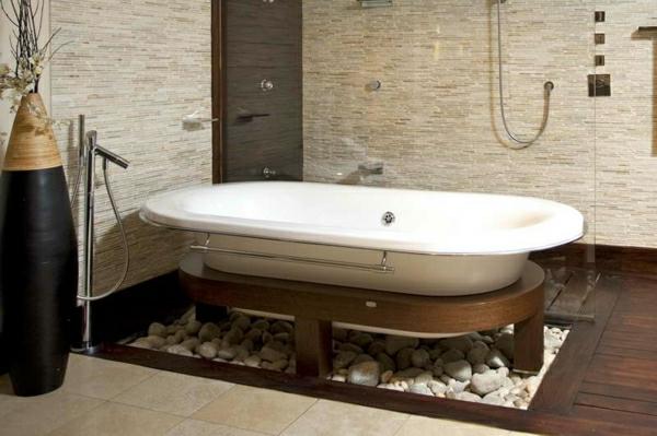 dekosteine-fürs-badezimmer mit einer ovalförmiger badewanne